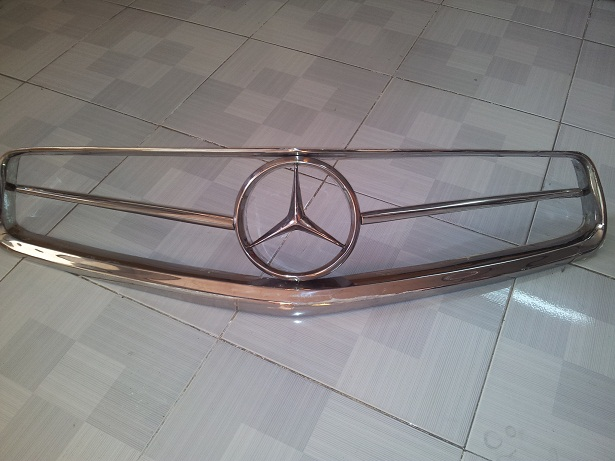 Mercedes W113 Front Grill